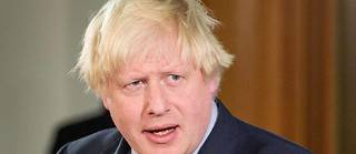 Boris Johnson, admis en soins intensifs, se bat contre le Covid-19.