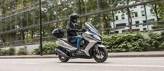 Le DownTown 350 Exclusive, une version haut de gamme du scooter Kymco