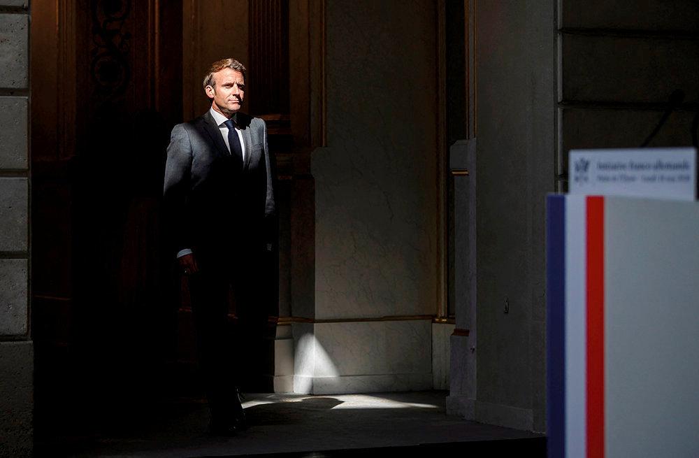 Providentiel. Le 18 mai, a l'Elysee. Emmanuel Macron s'apprete a annoncer le plan de relance europeenne.