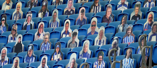 Les supporteurs de Brighton pendant le match contre Arsenal.