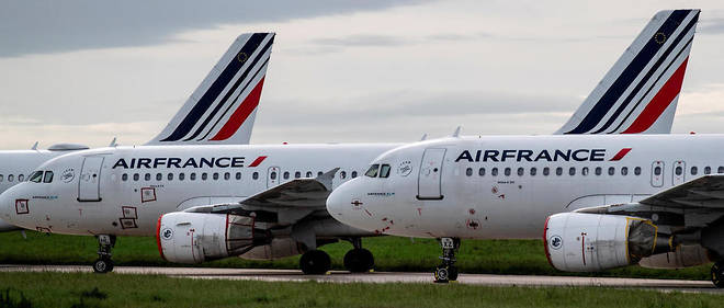 Des avions d'Air France stationnes sur le tarmac de l'aeroport Paris-Charles-de-Gaulle, en avril 2020.