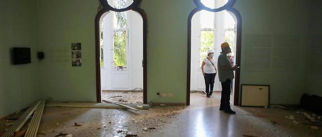 Le personnel du musee Sursock dresse un premier etat des lieux des degats causes par la double explosion du 4 aout.