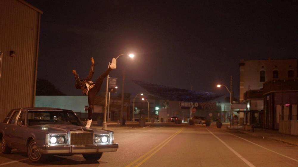 danse, baskets, film ©  @sophie Dulac distribution