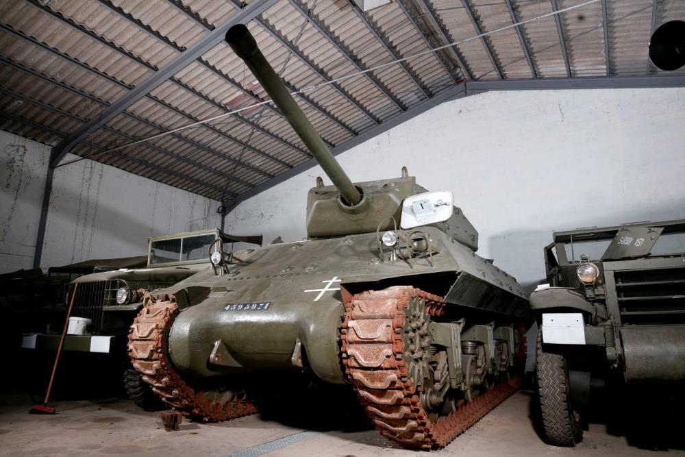 enchères, tank ©  Artcurial
