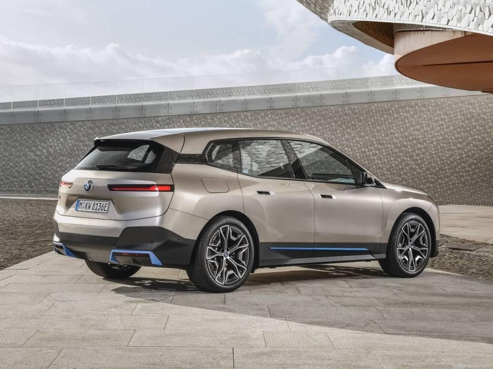 Actualité automobile: BMW présente le nouveau SUV iX