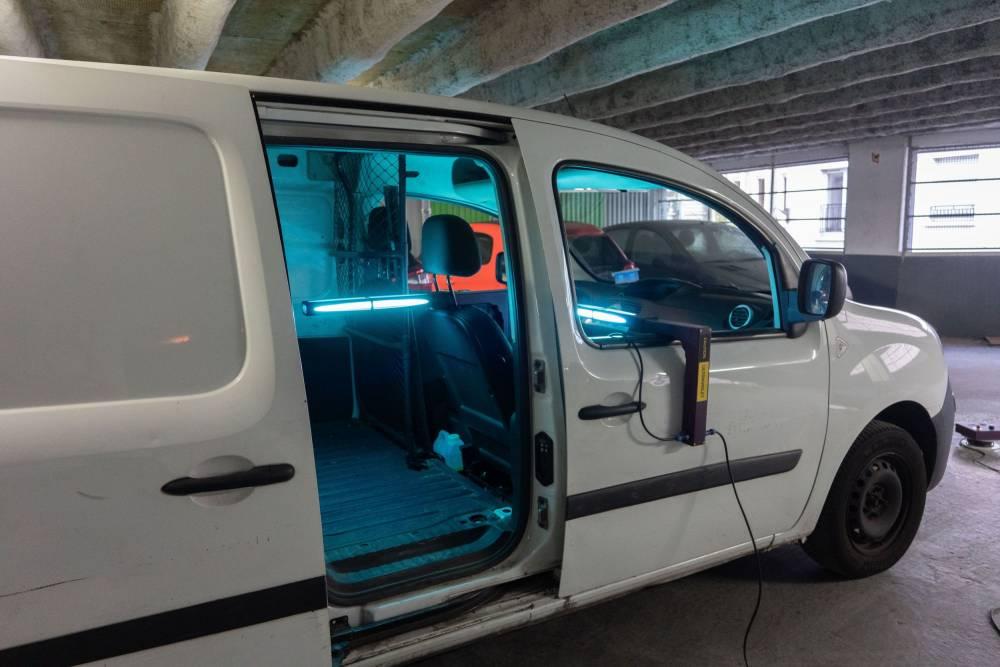 Covid-19 : deux minutes pour désinfecter une voiture aux UV 3