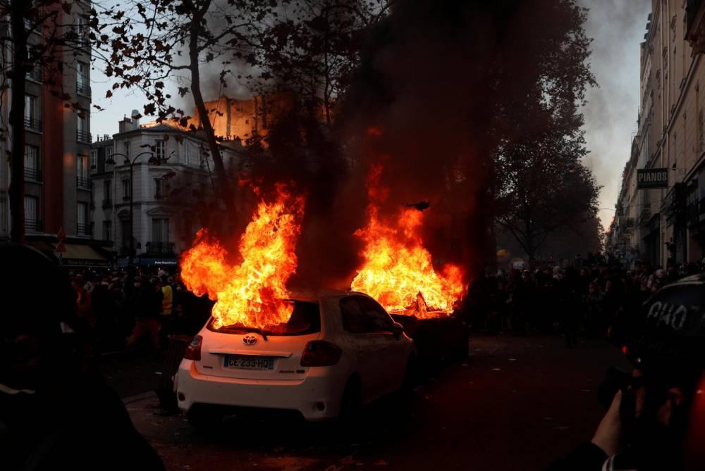 Paris, incendie, manifestation ©  GEOFFROY VAN DER HASSELT / AFP