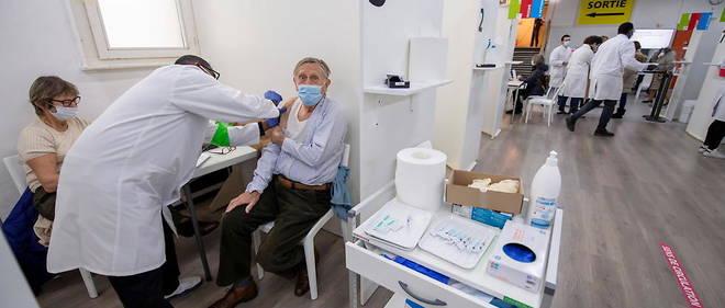Dans un centre de vaccination contre le Covid a Geneve le 6 janvier.