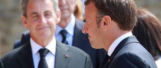 Nicolas Sarkozy et Emmanuel Macron lors de la ceremonie organisee au Mont-Valerien, le 18 juin 2020.