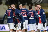 Le Paris Saint-Germain a pris la tete de la Ligue 1 grace a son succes (1-0) a Angers.
