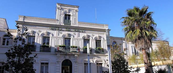 La mairie de Lunel.