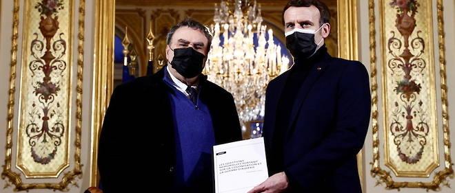 Le 20 janvier 2021, l'historien Benjamin Stora a remis le rapport sur ma memoire de la colonisation au president Emmanuel Macron.