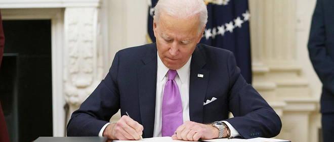 Des les premiers jours apres son entree en fonctions mercredi, Joe Biden a durci les regles de port du masque et ordonne la mise en quarantaine des personnes se rendant aux Etats-Unis par avion. (illustration)