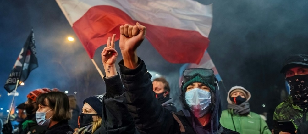 Pologne: la quasi-interdiction de l'avortement entre en vigueur