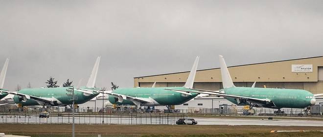 128 Boeing 777, equipes du type de moteur implique dans un incident spectaculaire survenu sur un vol United Airlines au-dessus du Colorado, aux Etats-Unis, samedi, sont desormais cloues au sol.