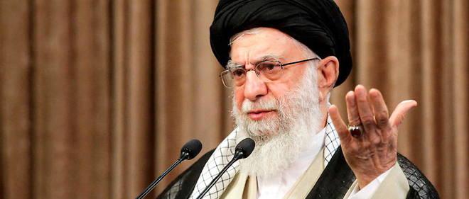 Le guide supreme iranien, l'ayatollah Ali Khamenei, a declare qu'il souhaitait que les Etats-Unis levent toutes leurs sanctions avant que l'Iran reviennne a ses engagements sur le nucleaire.