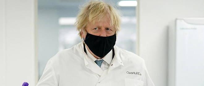 Lors de la bataille de Fontenoy, le commandant des Francais aurait dit aux Anglais : << Messieurs les Anglais, tirez les premiers ! >> En matiere de vaccination, Boris Johnson a egalement tire le premier.