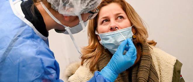 Le nombre de nouveaux cas de contamination s'eleve a 23 507 en 24 heures.