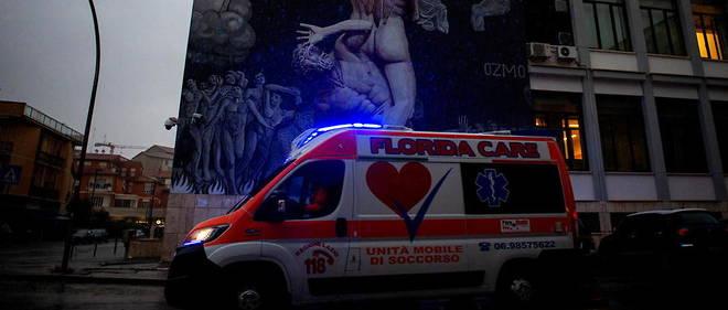 A Naples, les ambulanciers sont regulierement pris a partie, par la mafia mais aussi par des proches de malades.