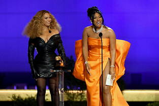 Beyoncé et Megan Thee Stallion aux Grammy Awards 2021.