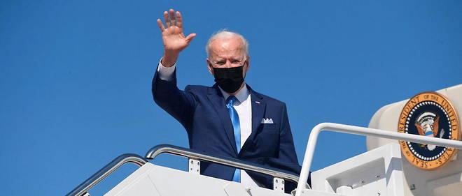 Le president americain Joe Biden embarque sur Air Force One le 26 mars a la base aerienne d'Andrews, pres de Washington.