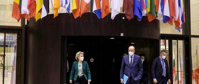 Charles Michel et Ursula von der Leyen apres le dernier sommet europeen, le 25 mars dernier.
