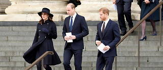 La duchesse de Cambridge, le prince William et le prince Harry devant la cathédrale Saint-Paul de Londres le 14 décembre 2017.
