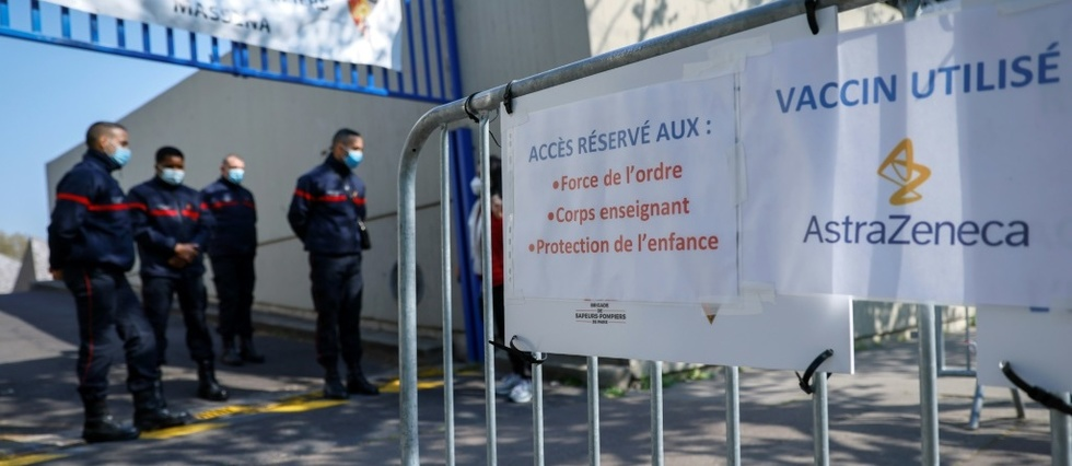 "Covid: situation fragile sur un ""plateau haut"", mesures anti-variants"