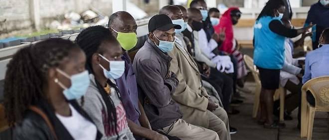 Le Kenya, lui-meme confronte a une hausse des cas, a suspendu mercredi tous les vols de ligne en provenance de l'Inde pour les deux prochaines semaines, en raison de la multiplication rapide des infections du Covid-19 dans ce pays d'Asie.