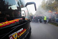 Le car du RC Lens a été vandalisé à Paris (illustration).