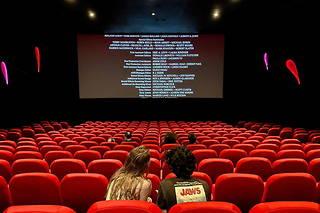 Fermés depuis de longues semaines en raison du Covid, les cinémas doivent rouvrir le 19 mai en France. « Le Point » a préparé un guide complet et un calendrier des sorties.