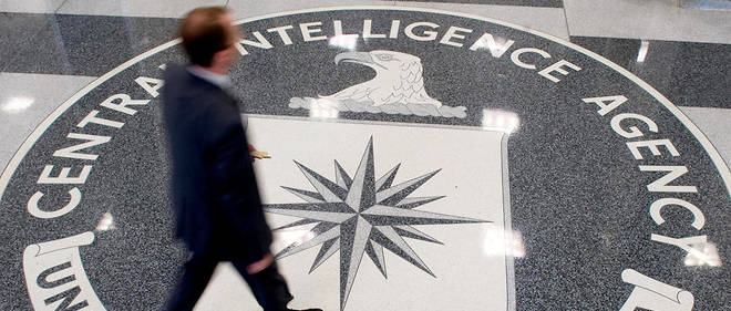 Le quartier general de la CIA (Central Intelligence Agency) se trouve a Langley, en Virginie.