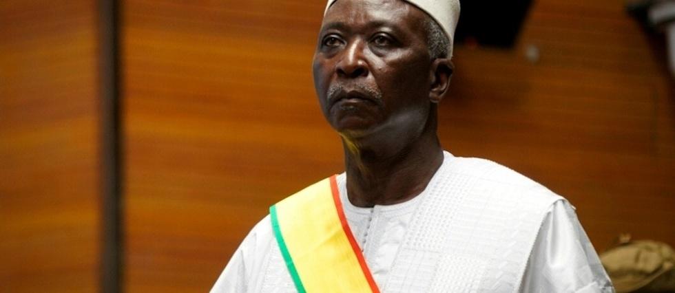 Mali: demission des dirigeants de la transition arretes par les militaires
