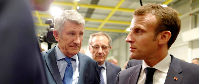 L'amitie entre Philippe de Villiers et Emmanuel Macron ne semble plus d'actualite.
