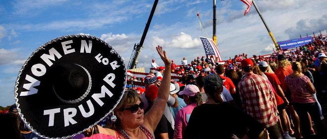 L'ouvrage eclaire de maniere remarquable les raisons profondes de l'election de Trump, et combien ces memes dynamiques ont aussi compte dans l'election de Joe Biden, quatre ans plus tard. L'analyse de D. Allott met ainsi en lumiere le << tribalisme >> politique et le role des partis, la responsabilite des medias, et la tension entre la personnalite des candidats et leurs programmes politiques.