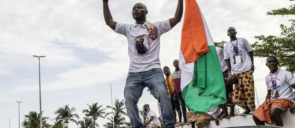 L'ex-president Gbagbo est rentre en Cote d'Ivoire, accueilli par ses partisans en liesse