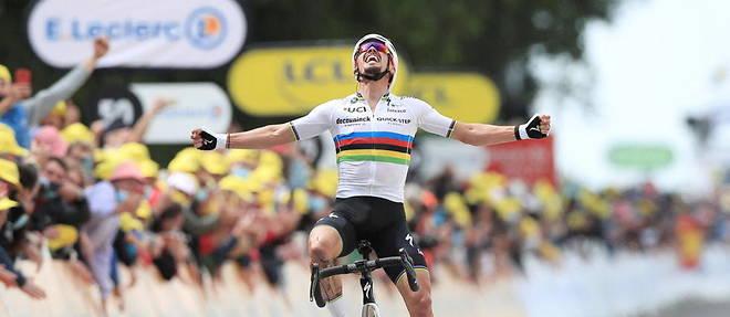 Julian Alaphilippe remporte la premiere etape du Tour de France, disputee en Brest et Landerneau.