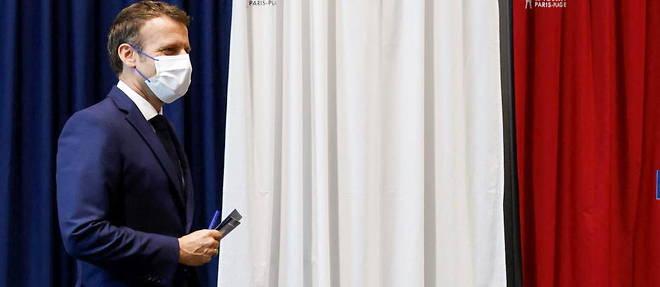 Emmanuel Macron a vote au Touquet pour le second tour des regionales.