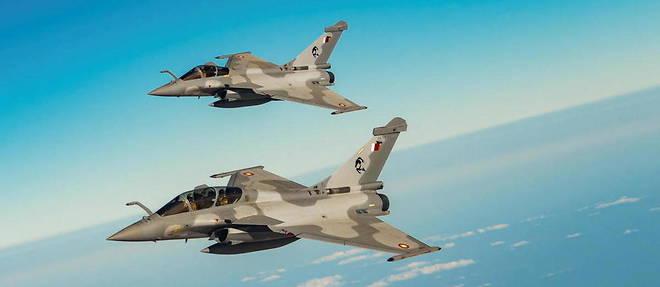 Deux Rafale qataris, pris en photo depuis un avion ravitailleur de l'US Air Force en decembre 2020.