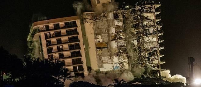 """Immeuble effondre en Floride: les chances de retrouver des survivants """"proches de zero"""""""
