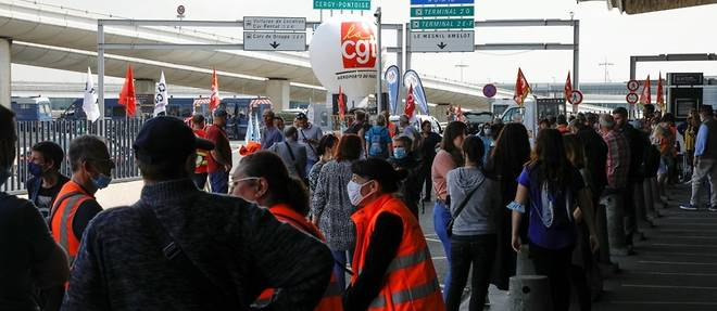 Greve aux aeroports de Paris: des syndicalistes interpelles, trafic normal
