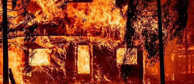 Les pompiers de Californie face a un incendie qui genere son propre climat