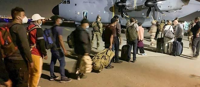 Arrivee imminente a Paris des premiers exfiltres de Kaboul par la France