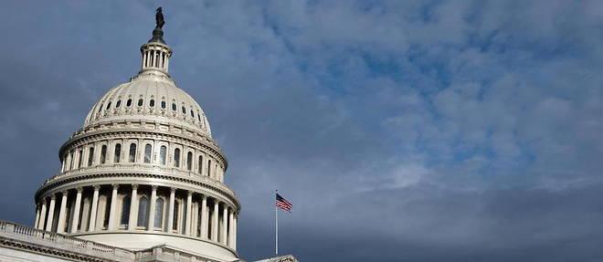Un individu a bord d'un vehicule a menace de faire exploser une bombe pres du Capitole, jeudi 19 aout.