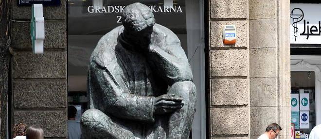 En Croatie, Nikola Tesla est considere comme un heros national. Une statue de lui trone notamment au centre de la place centrale de Zagreb.
