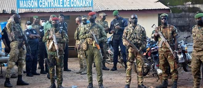 Guinee: les putschistes sous pression, l'ex-president en bonne sante selon la Cedeao