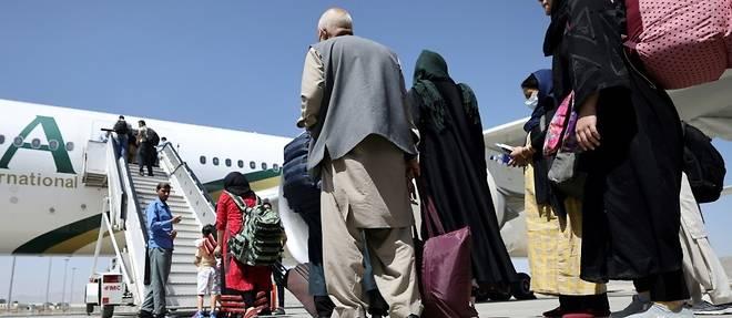 Afghanistan: un vol commercial a atterri a Kaboul, premier signe de normalisation