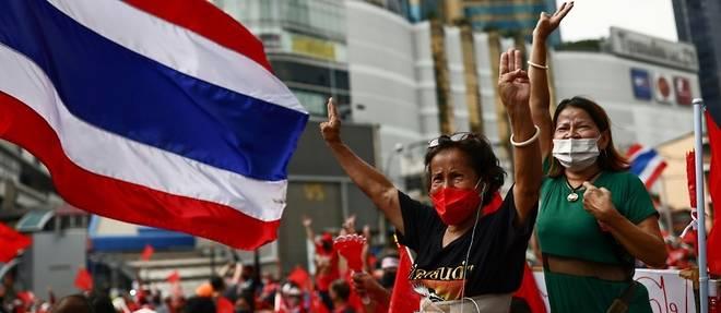 Thailande: manifestation a l'occasion de l'annniversaire du coup d'Etat de 2006
