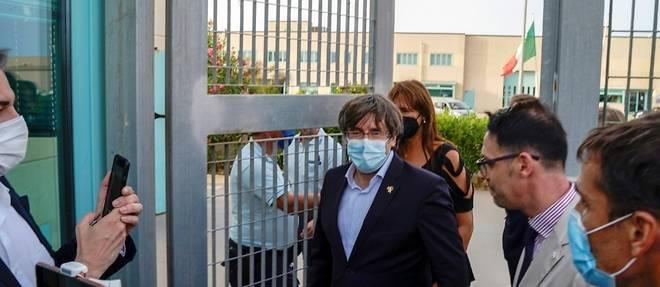 Le Catalan Carles Puigdemont libere et autorise a quitter l'Italie