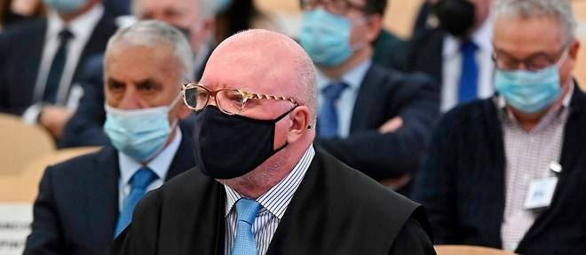 """Espagne: un ex-commissaire sulfureux dit etre l'""""ennemi a abattre"""" au debut de son proces"""